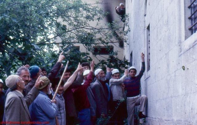 Trabzon'un Araklı ilçesi Taşönü mahallesi cami, yıllar öcesinden!