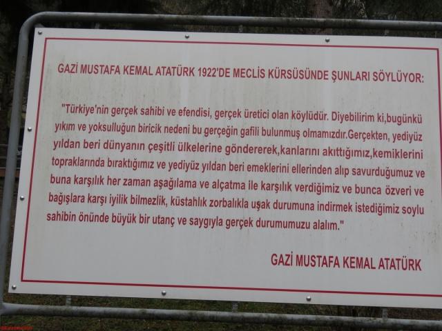 Gazi Mustafa Kemal Atatrük, 1922 'de meclis kürsüsün de ..