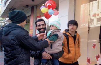 Asker Oğluma Bir Balon Aldım