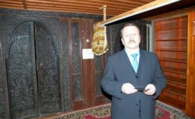 Maradit cami, Sütlüoğlu'nu büyüledi
